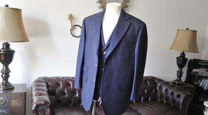 お客様のスーツの紹介- DARROW DALE ネイビーストライプスリーピーススーツ-