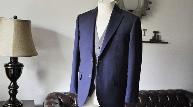 お客様のウエディング衣装の紹介-Biellesi ネイビースーツ ライトグレーベスト-