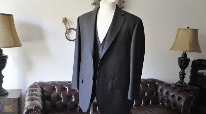 お客様のスーツの紹介- DUGDALE BROS 無地ネイビースリーピース-