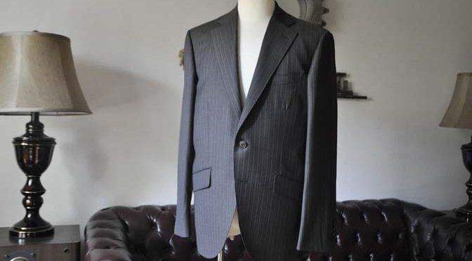 お客様のスーツの紹介-REDAネイビーストライプ-