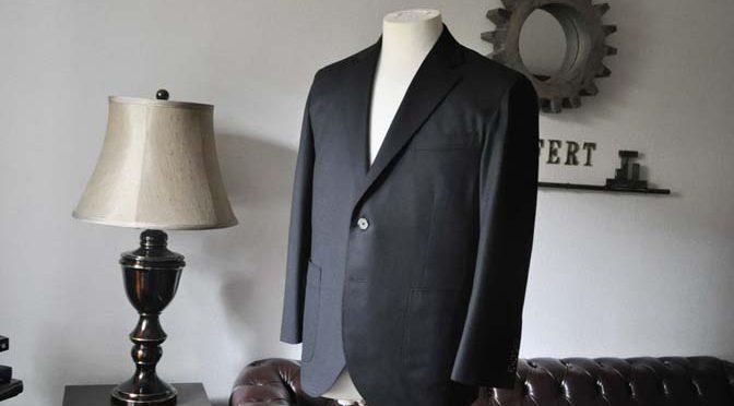 お客様のスーツの紹介- Biellesi 無地ブラックフランネルスーツ-