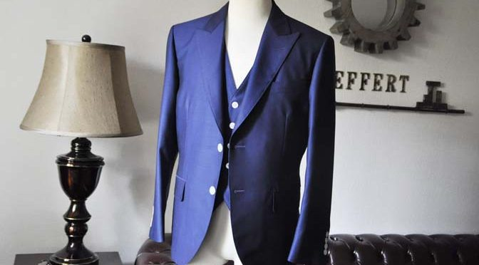 お客様のウエディング衣装の紹介-Biellesi ネイビースリーピース-
