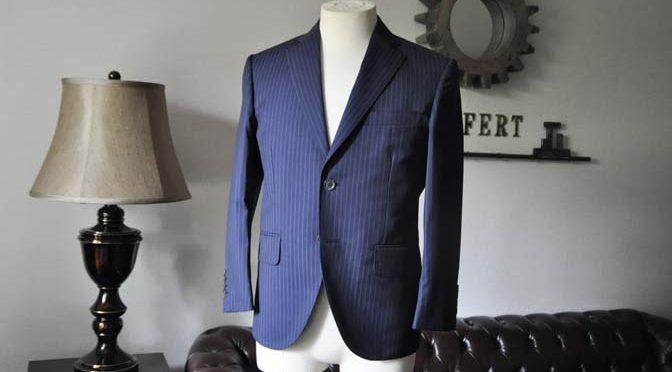 お客様のスーツの紹介- CANONICOネイビーストライプ-