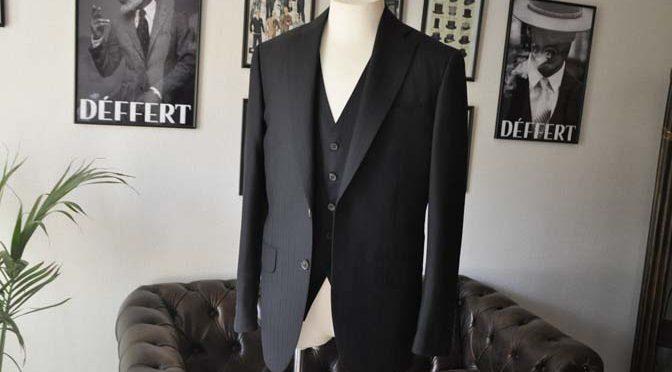 お客様のスーツの紹介- DUGDALE ブラックストライプ スリーピース-