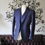 お客様のスーツの紹介-Biellesi無地ネイビー  スリーピーススーツ-