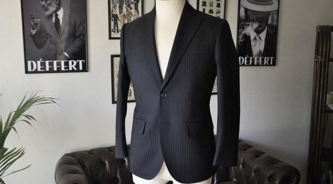 お客様のスーツの紹介- REDA ネイビーストライプ-