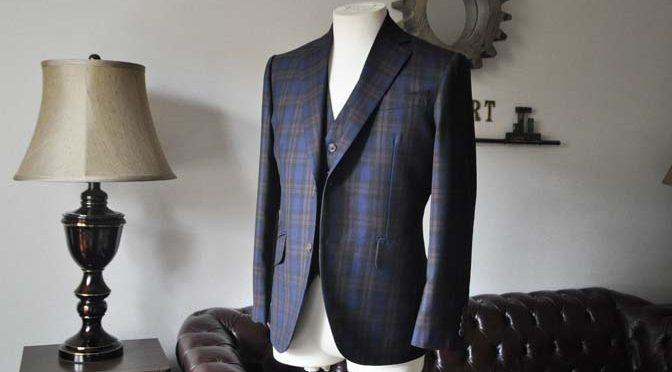 お客様のウエディング衣装の紹介- DARROWDALEネイビーチェック スリーピース-