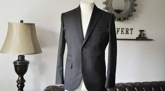 お客様のスーツの紹介-ブラックスーツ-