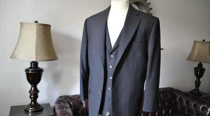 お客様のスーツの紹介- CANONICOブラックチェック スリーピース-