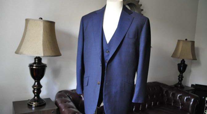 お客様のスーツの紹介- Biellesi ネイビーストライプスリーピース-