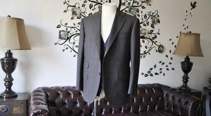お客様のウエディング衣装の紹介- Biellesiブラウンチェックジャケット ネイビーベスト-