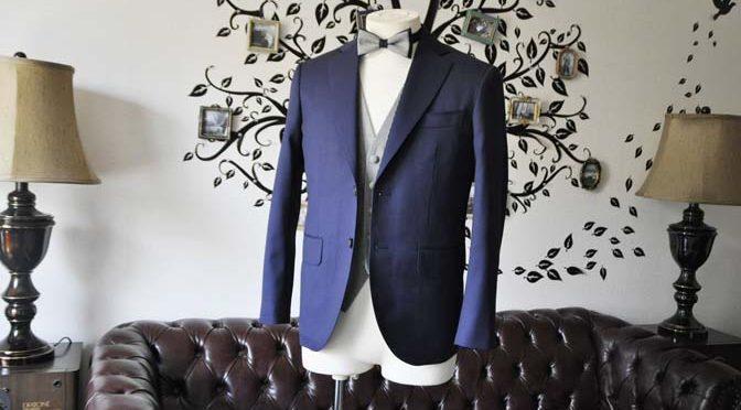 お客様のウエディング衣装の紹介- Biellesi無地ネイビースーツ 千鳥格子ベスト-