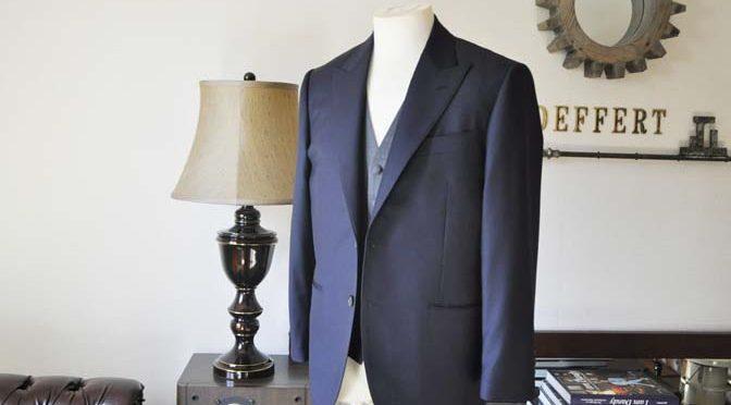 お客様のウエディング衣装の紹介- CANONICO無地ネイビースーツ グレーベスト-