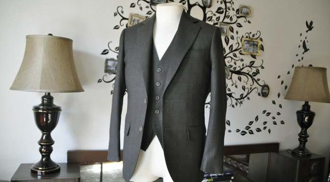 お客様のスーツの紹介-REDA グリーンチェックスリーピース-