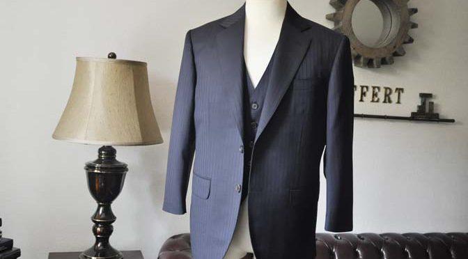 お客様のスーツの紹介- CANONICOネイビーストライプ スリーピース-