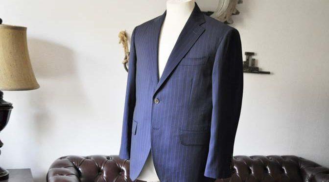 お客様のスーツの紹介-CANONICOネイビーストライプ-