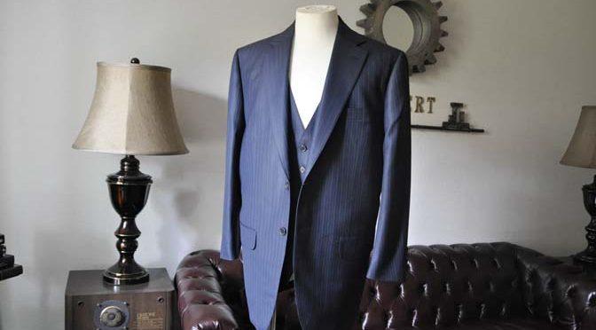 お客様のスーツの紹介-ネイビーストライプスーツ-