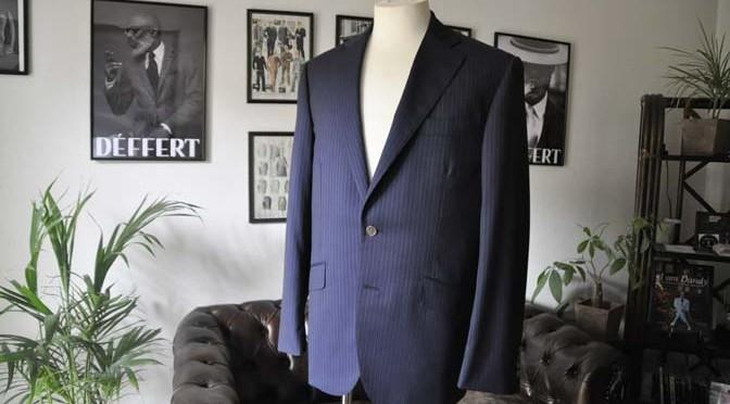 お客様のスーツの紹介-CANONICO ネイビーストライプ-