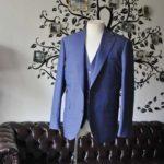 お客様のスーツの紹介-CANONICOネイビースリーピース-