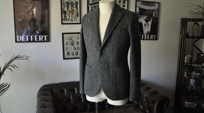 お客様のジャケットの紹介- Harris Tweed グレーヘリンボーン-