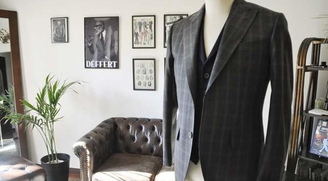 お客様のウエディング衣装の紹介- REDAブラウンチェック ネイビーベスト-