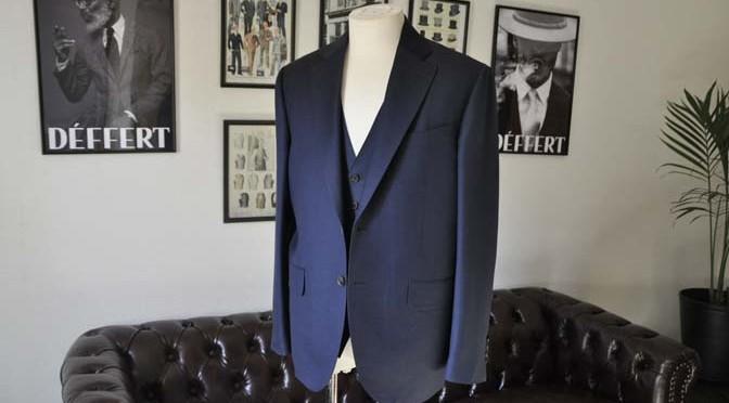 お客様のスーツの紹介- CANONICO 無地ネイビースリーピース-