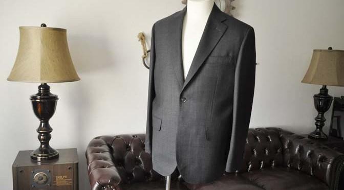 お客様のスーツの紹介- Charles Clayton グレーウィンドペン-