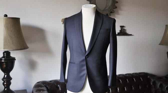 お客様のウエディング衣装の紹介- Biellesi ネイビーバーズアイ ショールカラースーツ-