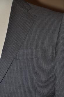 blog_import_520b45a065388 オーダースーツ-裾の処理を変えた2パンツスーツ
