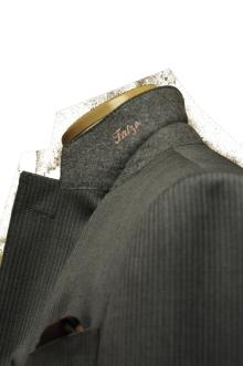 blog_import_520b45bf4ae52 オーダースーツ-裾の処理を変えた2パンツスーツ