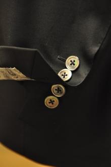 blog_import_520b4617c9339 オーダースーツ-CANONICOのブラックスーツ