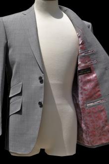 blog_import_520b49df28ba9 オーダースーツ-CANONICOのライトグレーのスーツ