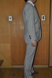 blog_import_520b4a0945688 オーダースーツ-CANONICOのライトグレーのスーツ