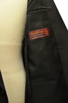 blog_import_520b4d956840e オーダースーツ-「Ermenegild Zegna」の[Cool Effect]礼服