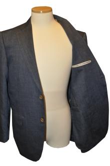 blog_import_520b4ea704974 オーダースーツ-Linen85%、Wool15%の明るめのネイビースーツ